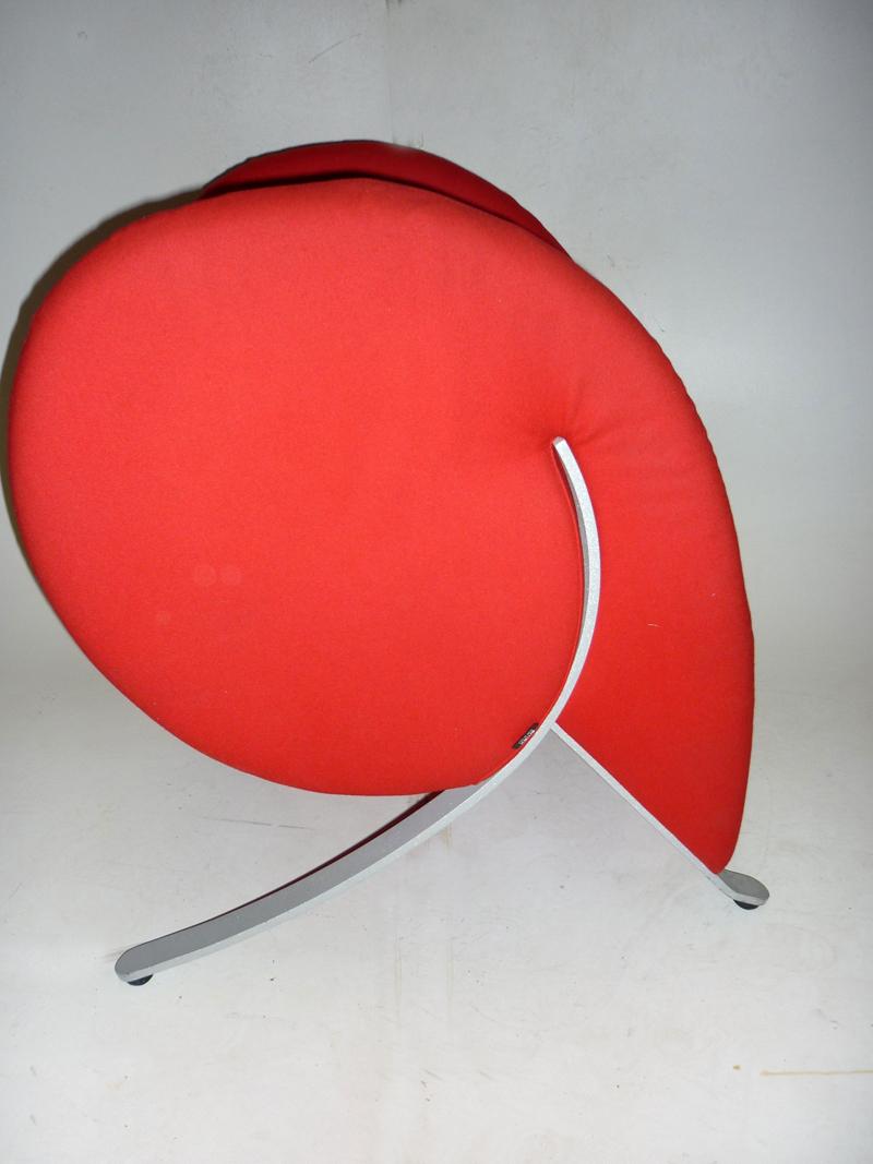 Virgola by Arflex in red fabric (CE)
