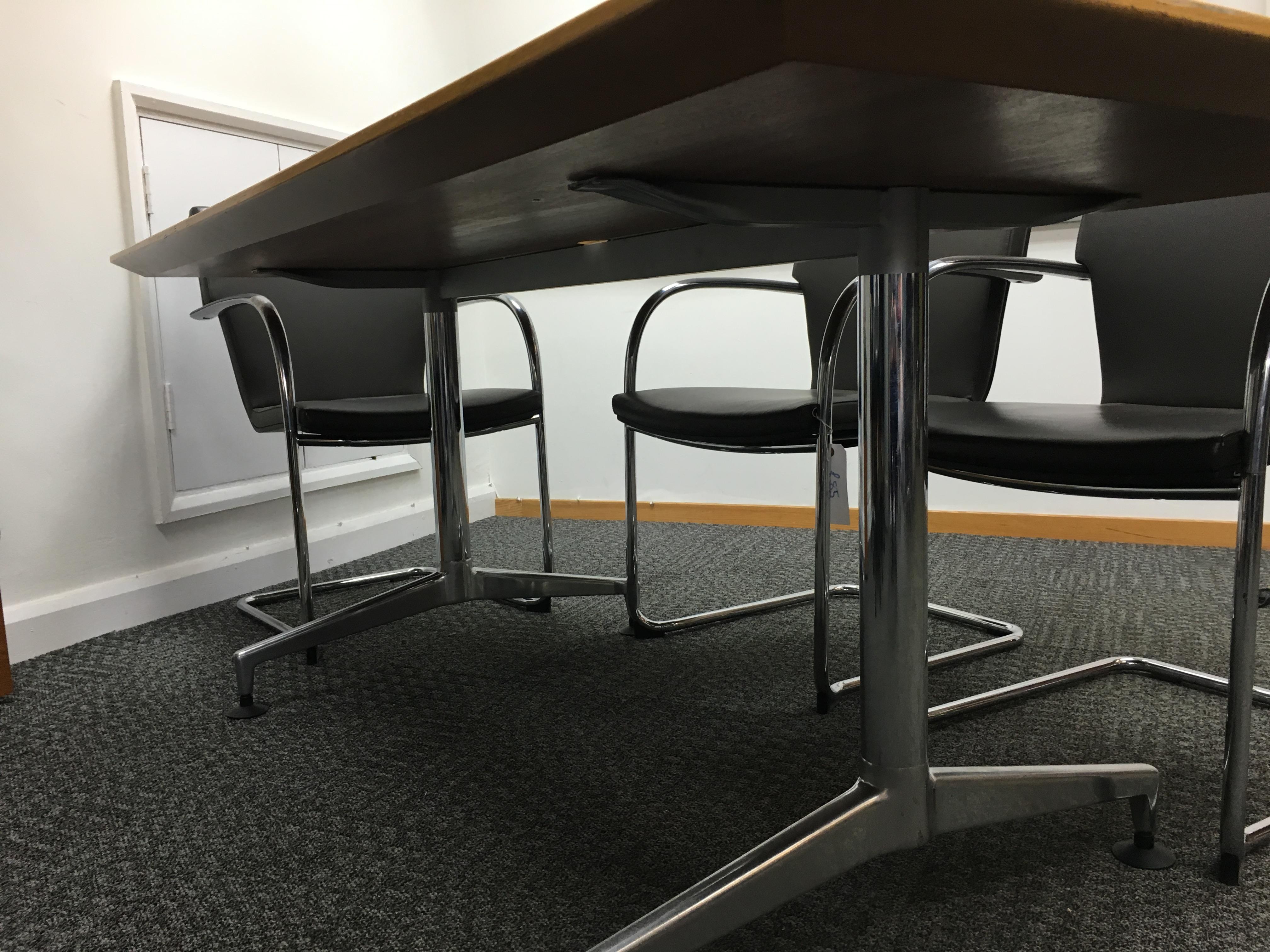 1750 x 900mm oak veneer boardroom table (CE)