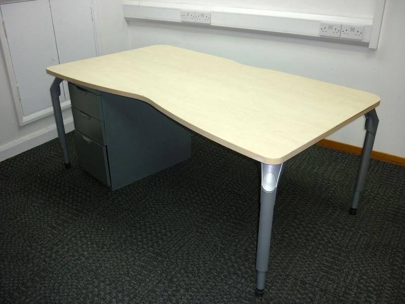 Steelcase maple 1800w x 1000/900d mm double wave desks