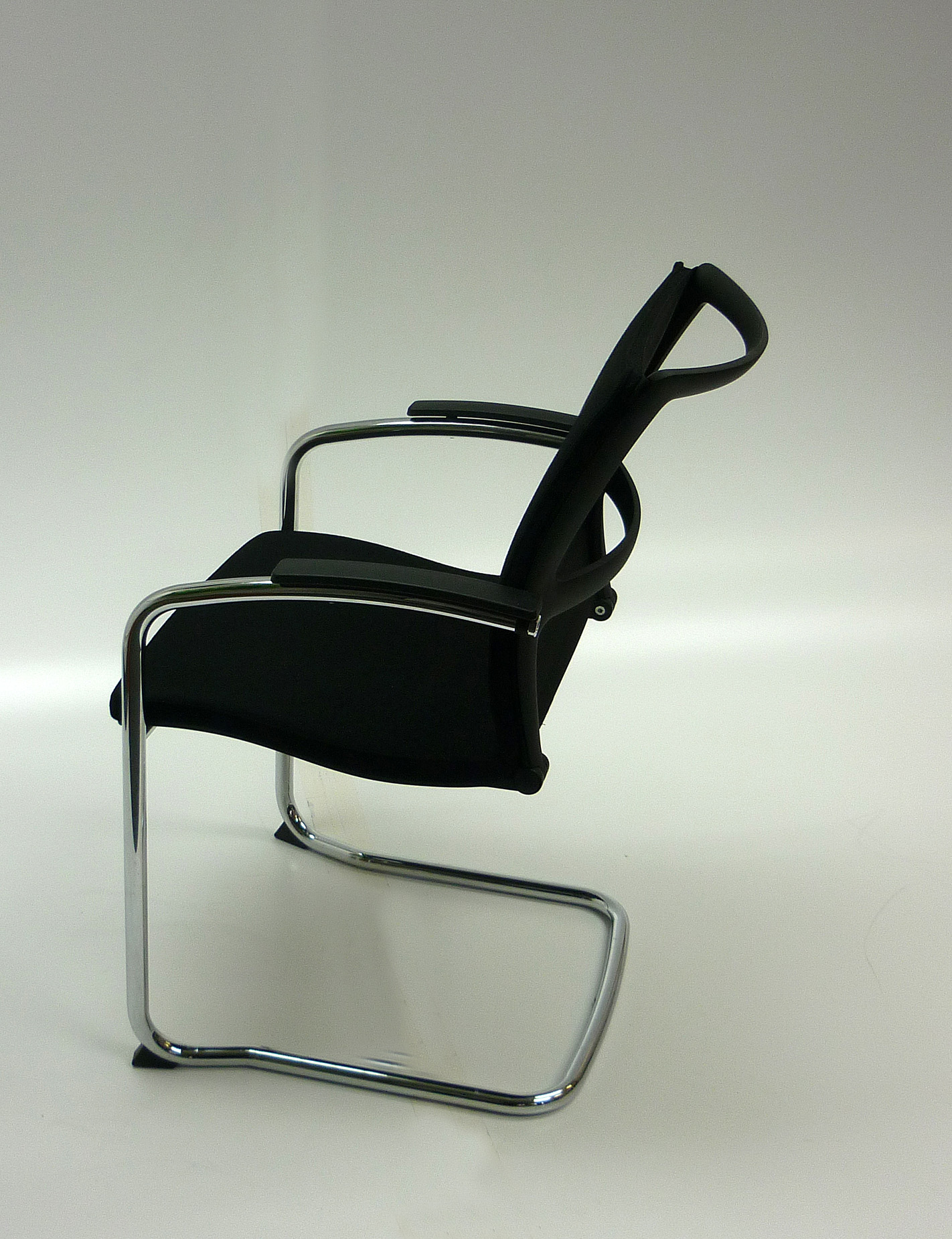 Black mesh back Sedus Open UP stacking meeting chair CE