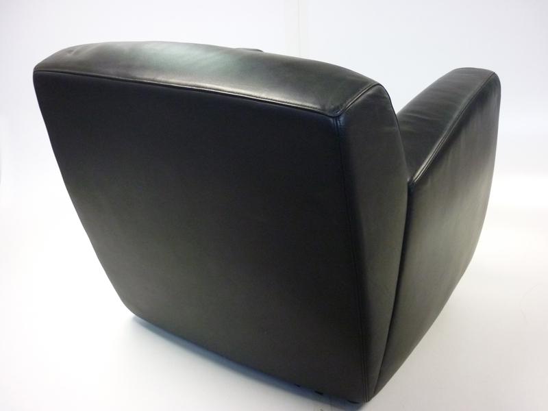 Whitmann black leather reception armchair (CE)