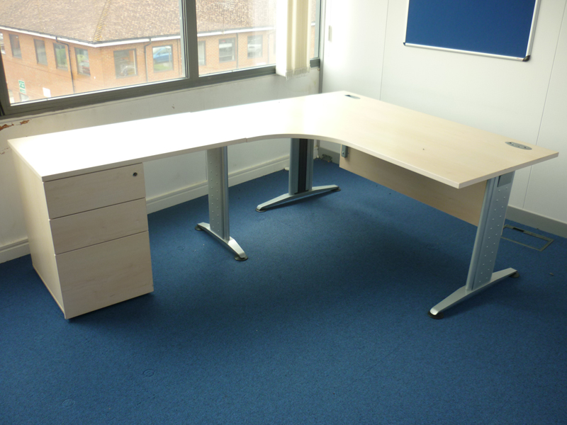 1600 mm FFC Balancia maple radial desk with optional extensions