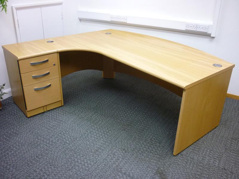2000w x 1200d mm Oak Fulcrum Executive desk by Sven