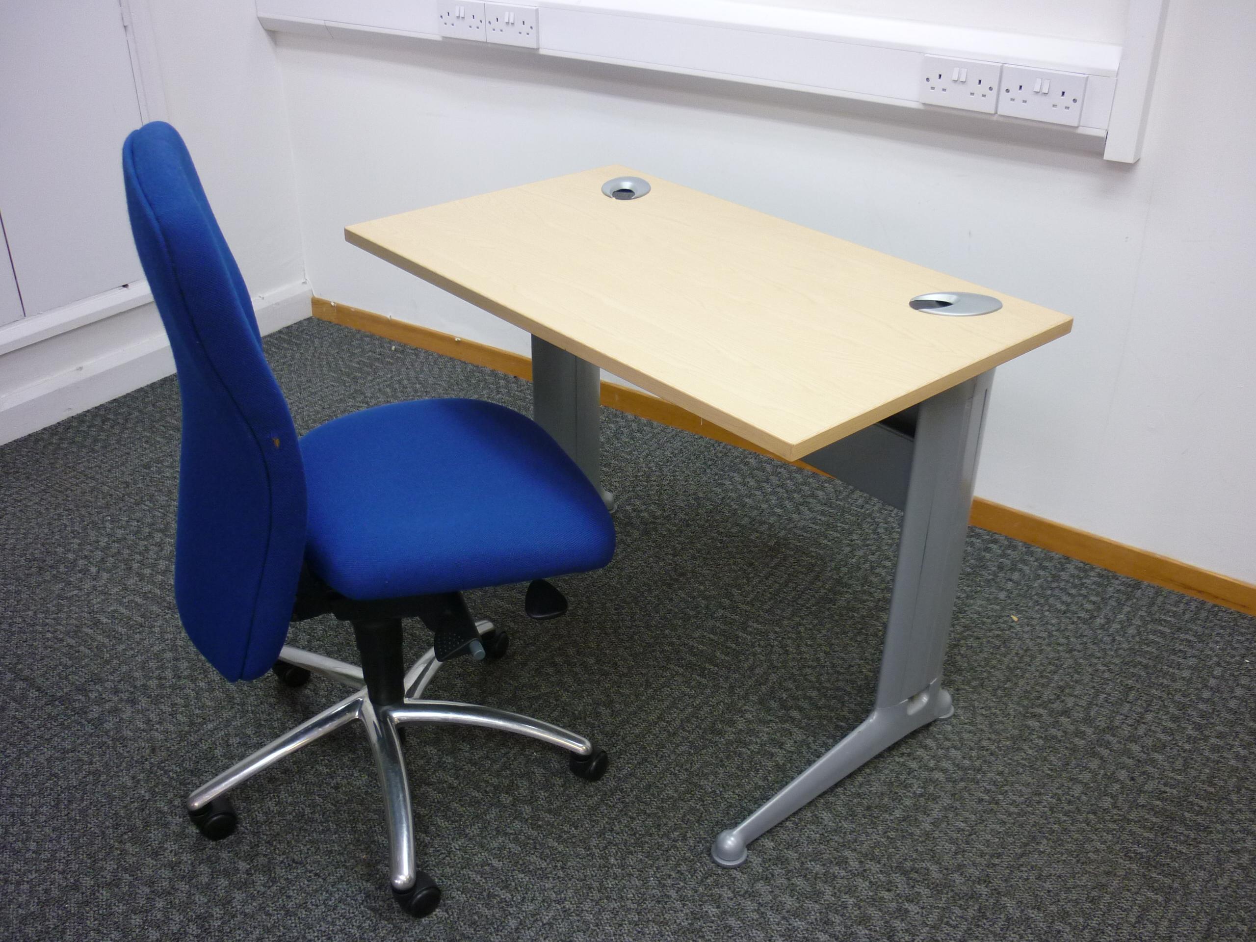 1000w x 600d mm Kassini rectangular desk