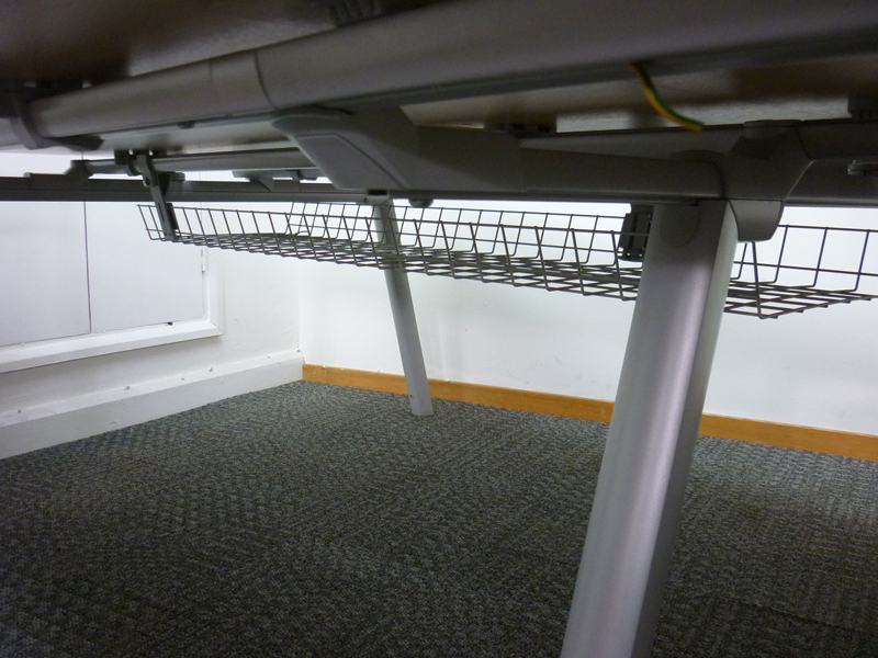 Maple 1600mm Senator bench desking, per position