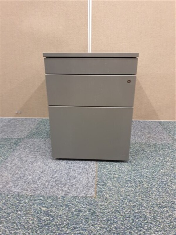 additional images for Graphite metal pedestal