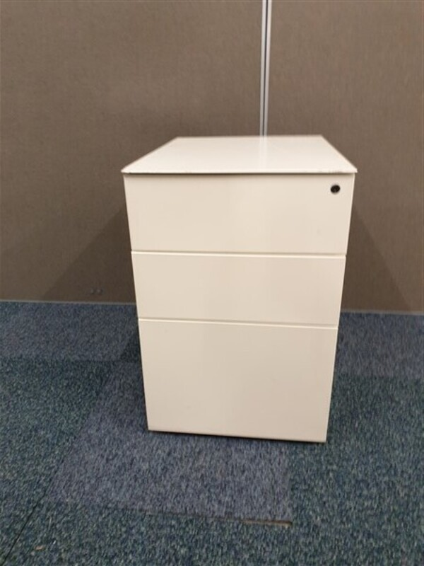 additional images for White metal pedestal