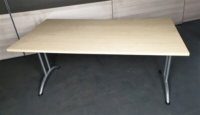 additional images for Folding table Maple