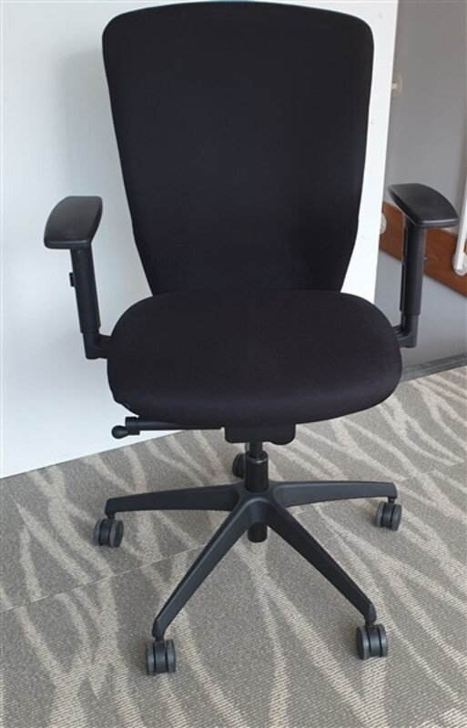 additional images for Komac operator chair