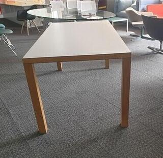White meeting table - Beech legs