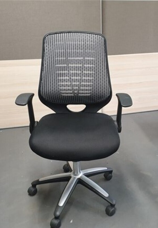 additional images for Mesh back chair