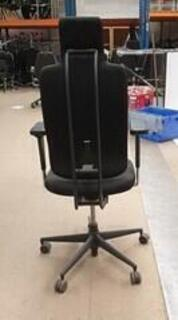 Vitra Headline task chair in black with black spine