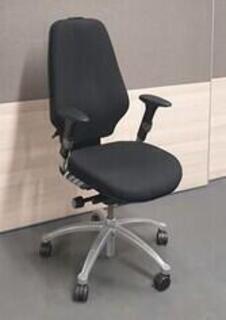 RH Logic 400 task chair no headrest