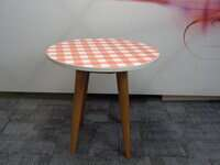 additional images for Circular table with gingham top