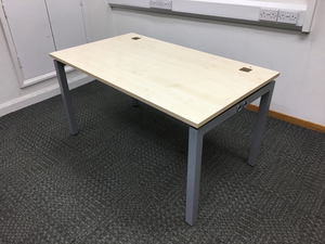 additional images for 1600 & 1400x800mm maple Gresham desks