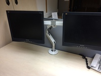 additional images for Humanscale M8 with crossbar double monitor arms