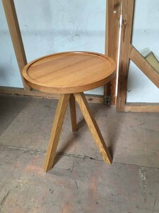 additional images for Oak tripod 440mm diameter coffee table