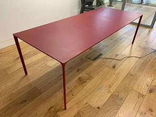 2400x1200mm red Arper Nuur table