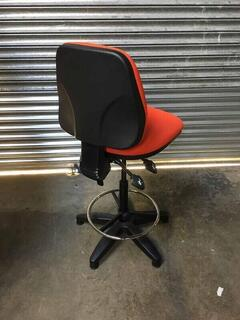 Red 2 lever draughtsman039s chair