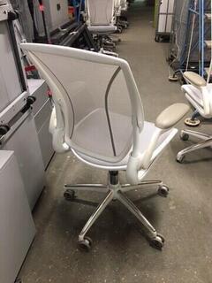 White grey Humanscale Diffrient World task chair