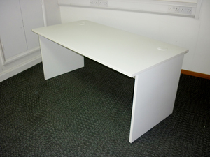 additional images for White 1600x800mm panel end desks
