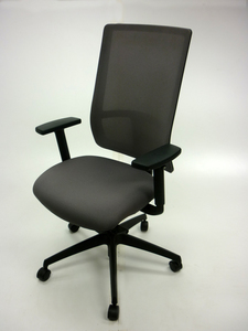 additional images for Komac Q by Boss Design light grey fabric and mesh task chair