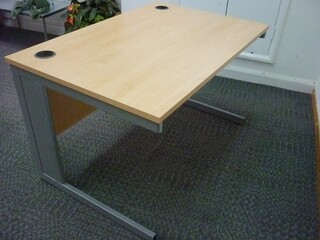 1200x800mm beech Sven desks