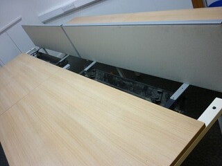 Bene 1600x800mm Aragon oak bench desks per user -