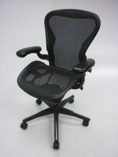 additional images for Herman Miller Graphite Aeron task chair size C