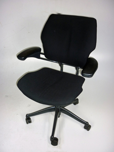 additional images for Humanscale Freedom mid-back task chair in black