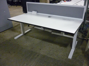 additional images for White 1800x800mm electric height adjustable desks