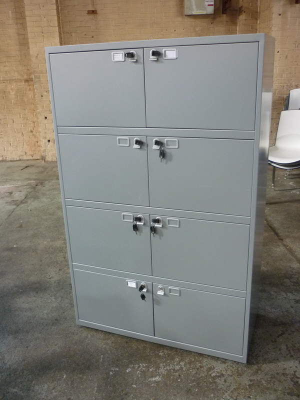 additional images for Silver metal 8 door lockers
