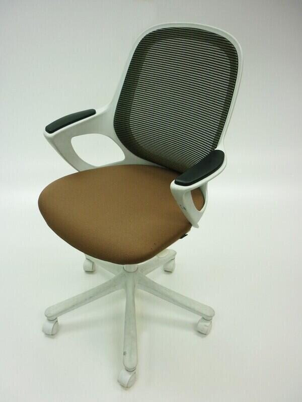additional images for Verco Salt & Pepper beige task chairs
