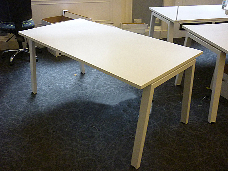 additional images for White Elite Linea 1600x800mm desks