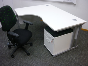 additional images for Optima 1600x1200mm white radial desk