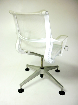 additional images for Herman Miller Setu Studio White Edition